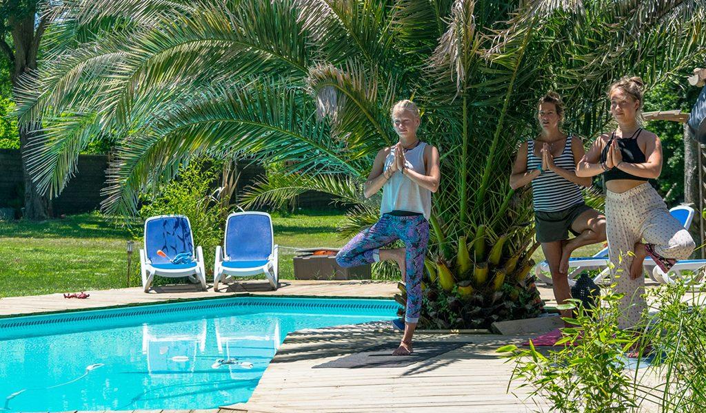 yoga piscine activité
